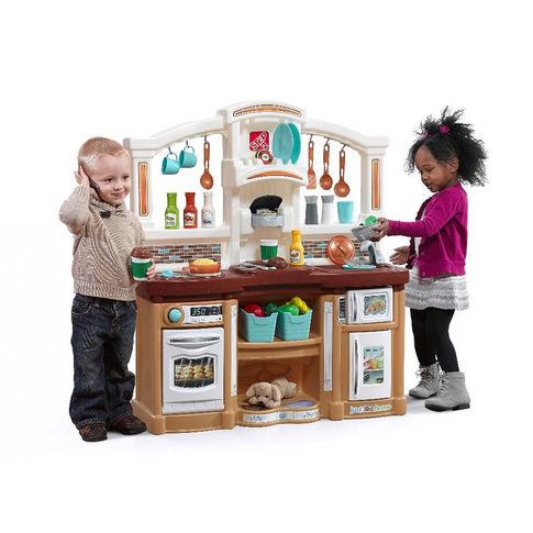 ชุดครัว Step2 Just Like Home Fun with Friends Kitchen Playset ธีมสีสันสดใส เหมาะทั้งเด็กชาย เด็กหญิง