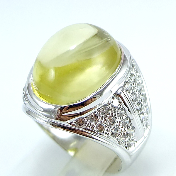แหวนพลอยผู้ชายเงินแท้ 92.5 เปอร์เซ็น ฝังด้วยพลอยเลมอนควอทซ์แท้