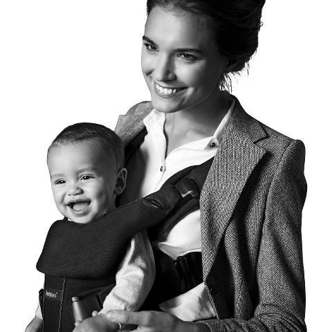 เป้อุ้มเด็ก BABY BJORN Baby Carrier One Air - Black สีดำ ยอดนิยม รุ่น ONE ออกใหม่ล่าสุด ได้รับความนิยมมากมาย พร้อมผ้ากันเปื้อน