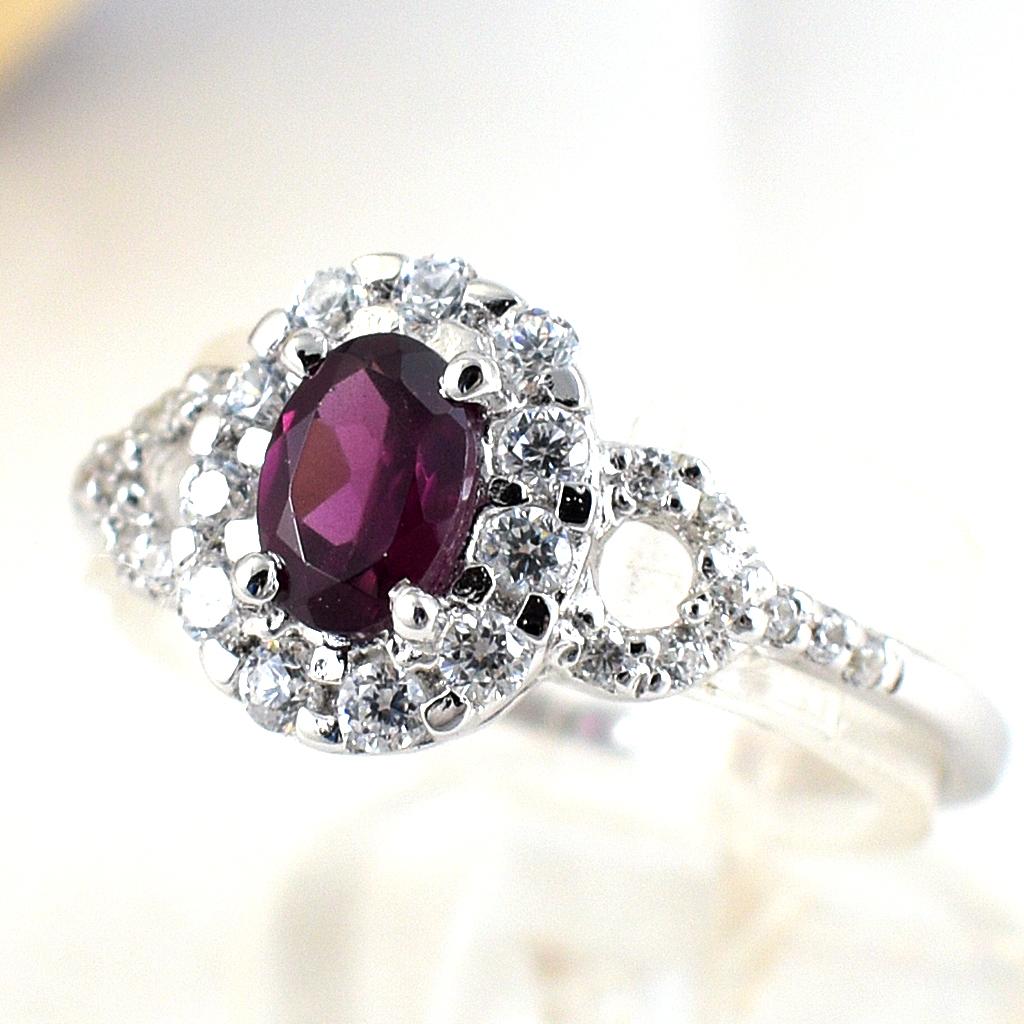 แหวนพลอยผู้หญิงเงินแท้ 92.5 เปอร์เซ็น ฝังด้วยพลอยโรโดไลท์การ์เน็ตแท้