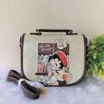 กระเป๋าสะพายฝาพับกลม ลายเบตตี้ แบรนด์ Betty Boop ของแท้💯%