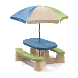 โต๊ะปิดนิค พร้อมร่มกันแดด Step 2 Naturally Playful Picnic Table with Umbrella สีฟ้า