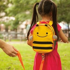 เป้ และสายจูงเด็ก รูปสัตว์ Skip Hop Zoo Safety Harness, Yellow Bee ลายผึ้ง