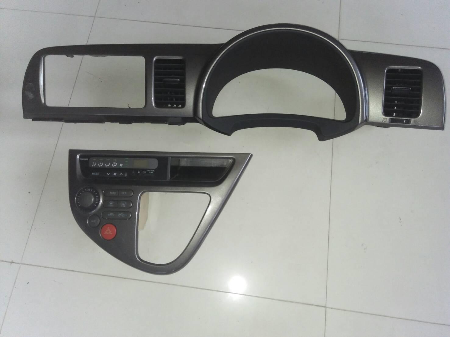 หน้าคอนโซนแอร์ Toyota Wish มือสองแท้ญี่ปุ่น