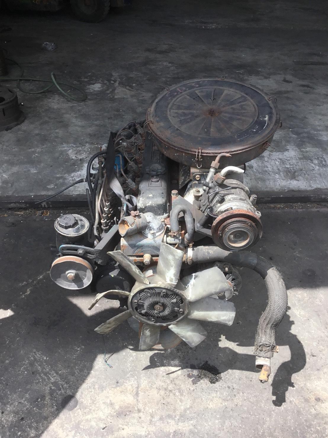 เครื่องยนต์ Nissan SD33 6/สูบ มือสอง (ราคาเฉพาะเครืองยนต์)